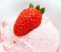Erdbeer-Raffaello-Eis