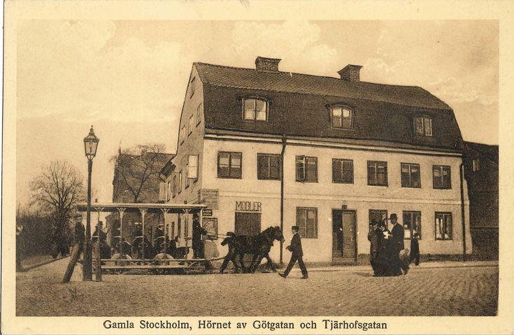 Gamla Stockholm. Hörnet av Götgatan och Tjärhofsgatan.