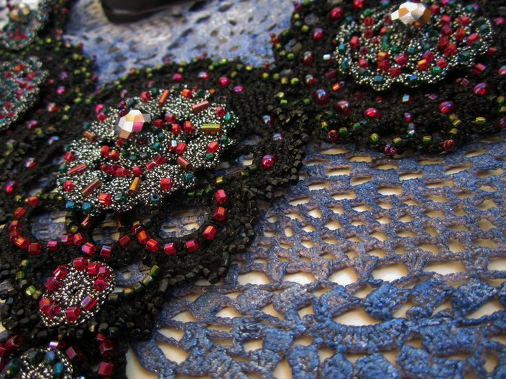 Embroidered crotchet necklace_7