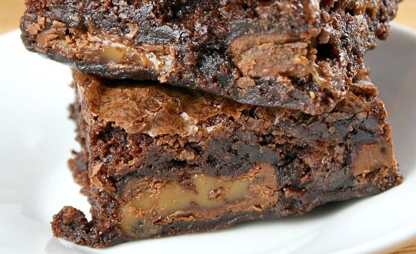 These look amazing and I don't even like brownies...Caramel Brownies.