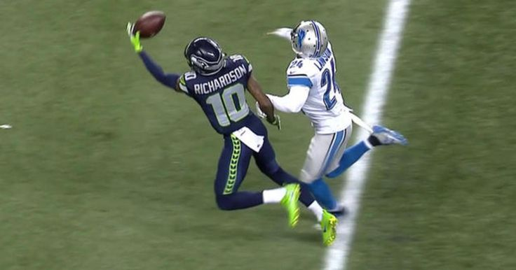Seattle Seahawks wide receiver Paul Richardson snags another one-handed catch for 27 yards from QB Russell Wilson.
