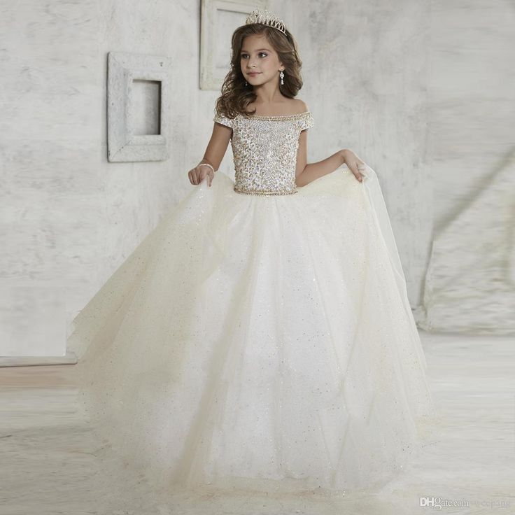 Cheap Flower Girls Dresses 2017 Pentelei With 3/4 Long Sleeves And Lace Up Back Appliques Tulle Ballgown Little Girls Gowns For Party Prom Shoes Girls Teenage Bridesmaid Dresses From Uniquebridalboutique, $76.89| Dhgate.Com
