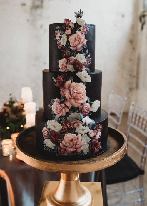Cutest Wedding Cake Trends of These Days! - Wedding Vibes! #weddingcakes #cake #recipes #recipeoftheday #wedding #weddinginspiration #diy #crochet
