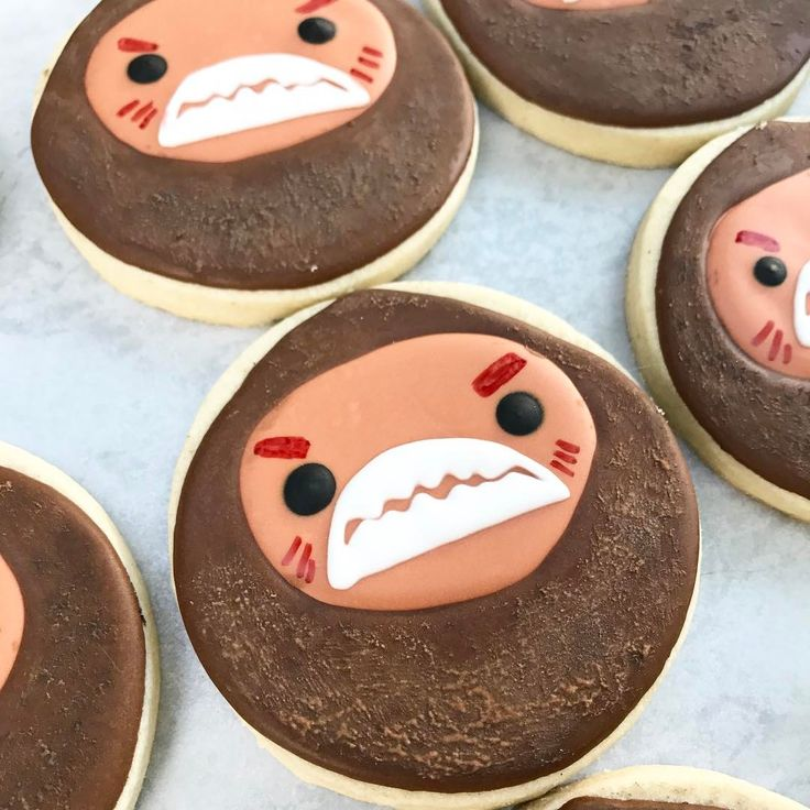 """They're kinda cute!"" -Moana #kakamora •  •  •  •  •  #cookiecurator #sugarcookies #moanacookies #decoratedcookies #oc #orangecounty #cookiesofinstagram #royalicing #homebakery #homemade"