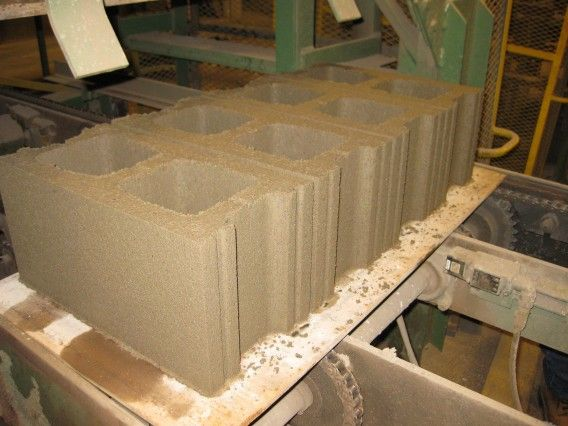 Atlas Concrete Carbon Neutral Block, Atlas Block, a manufacturer of concrete products based in Ontario, has signed a licensing agreement with CarbonCure, an emerging leader in science-based concrete technology for green building, to manufacture low-carbon concrete that will significantly reduce the carbon footprint of the concrete industry