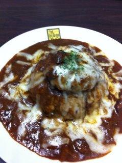 松本炙りチーズカレー  炙りチーズカレーにチーズコロッケが入った松本店長一押しのカレー