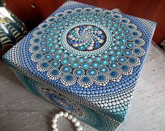 Caja de joyería de madera grande. Mandala hermoso y muy brillante es un increíble regalo para alguien especial.