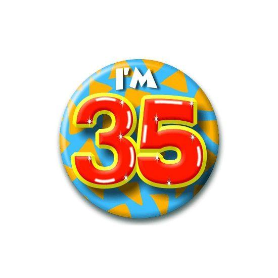 Verjaardags button I'm 35. Button in vrolijke kleuren met de opdruk: I'm 35.