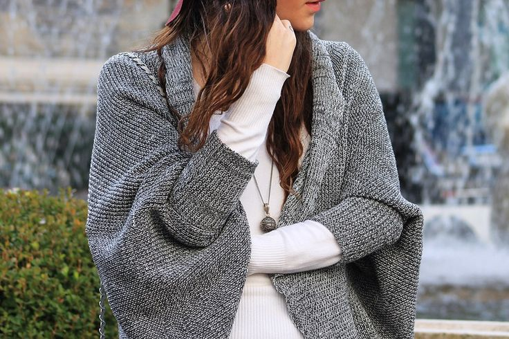 #dasynka #blog #inspiration #fashion #blogger #travel #globetrotter #shooting #model #italy #influencer #instagram #long #hair #casual #street #style #girl #beautiful #lookbook #lifestyle #outfit #poses #blogging #sweater #grey #italy #hat #shein #burgundy #white #cardigan #leggings #bag #choker