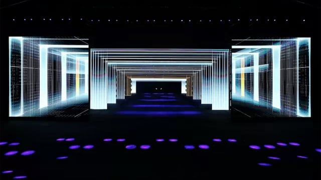 In May 2015 Sila Sveta was commissioned by Auditoire Agency to create motion design for the Mecredes-AMG GT National Launch event. For the reveal moment, The Auditoire team came up with an idea to build a deep corridor with several LED arches for the car to drive through. Sila Sveta developed a custom motion design template to create visuals for the screens: opening logo animation,  the car parade, the reveal moment, hot laps, final car parade.