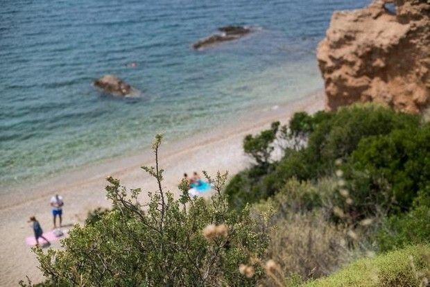 Από Βάρκιζα μέχρι Σούνιο υπάρχουν μερικές παραλίες-διαμάντια - Beach, please - Στήλες | oneman.gr