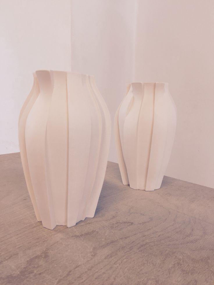 Vase - Gietmal diverse segmenten, biscuit 950C. - Ceramics