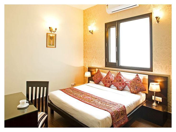 Connaught Mews Stallen Apartments - Connaught Place has 10 rooms (Deluxe & premiums). All rooms are well furnished, peacefully designed and equipped with attached bathroom with round the clock hot and cold water and complimentary toiletries. For more details call us at 9999995659, 9999998386.