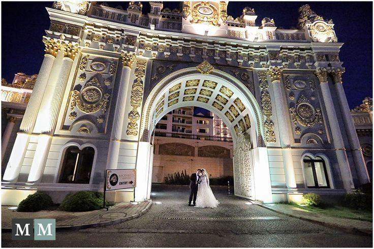 Persian wedding at Mardan Palace in Antalya, Turkey © Manuel Meszarovits