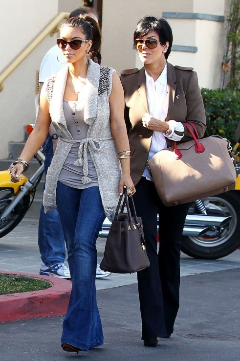 Kim Kardashian. mom looks nice. ... Visit the web page for 5 wonderful appearances using most of these glamorous sporty chic check http://topfashiondesigners.us/3-tricks-to-follow-the-trend-sporty-chic/