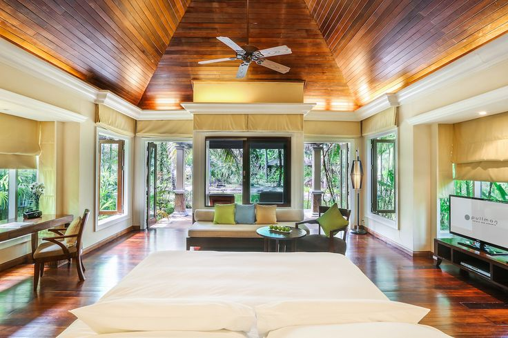 Experience tranquility and a space to trully 'Check in and Chill Out' as you overlook the resort's Lagoon Villa. Offering a flat screen TV and DVD player, refreshment centre, large bathtub and rain showers. Disconnect from Business but stay connected with wired and wifi internet.
