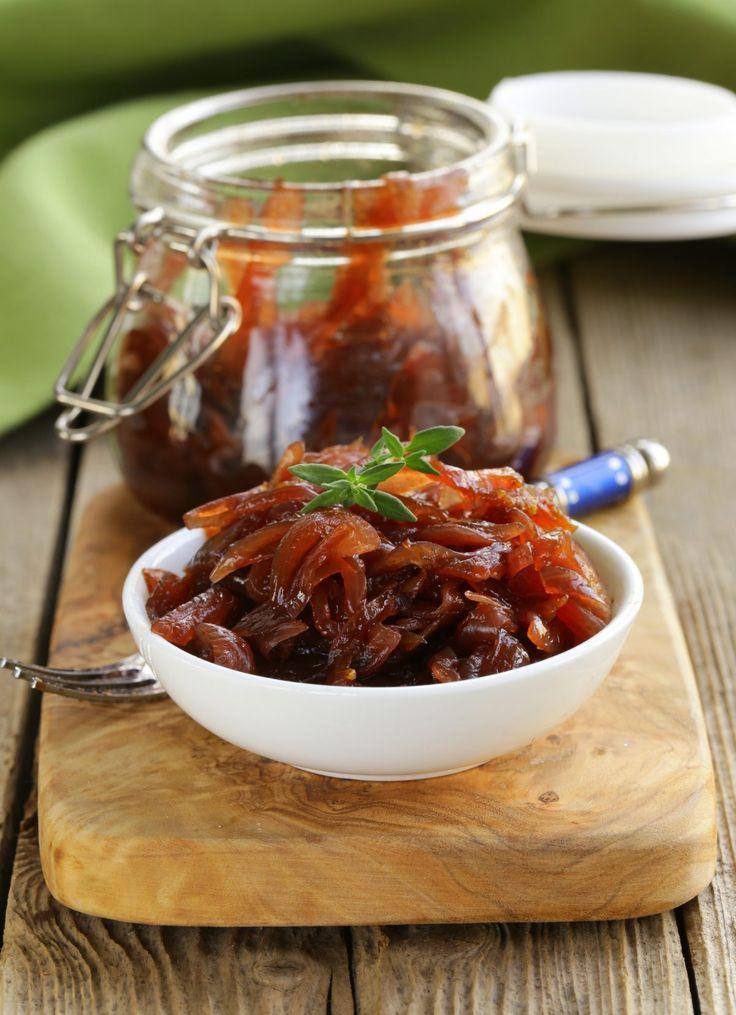 Apprenez à réaliser ce succulent confit d'oignons qui ravira les amateurs de sucré-salé. Traditionnellement utilisé pour…