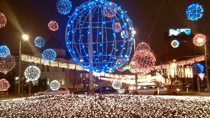 Big Christmas lighten ball ( God I love this ornaments )