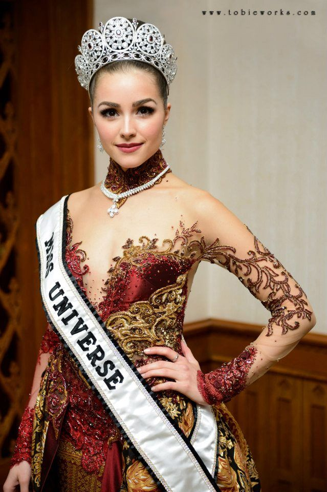 Kebaya as worn by Miss Universe 2012 Olivia Culpo during her visit to Indonesia in 2013.