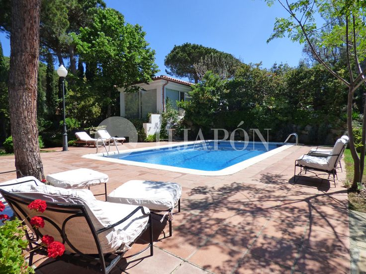 Gorgeous furnished estate with swimming pool for rent in Cabrils