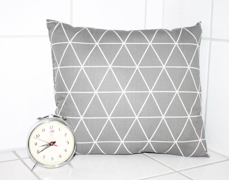 1000 ideen zu dekokissen auf pinterest kissen dekokissen und goldkissen. Black Bedroom Furniture Sets. Home Design Ideas