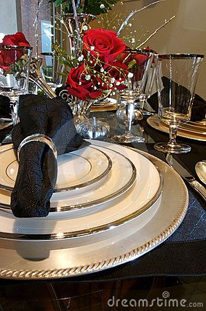 Dining Room Table Place Settings