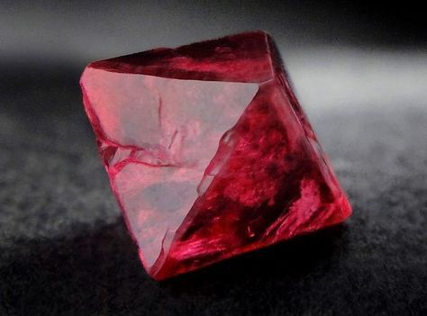 Spinel crystal from the Mogok Valley, Pyin-Oo-Lwin District, Burma