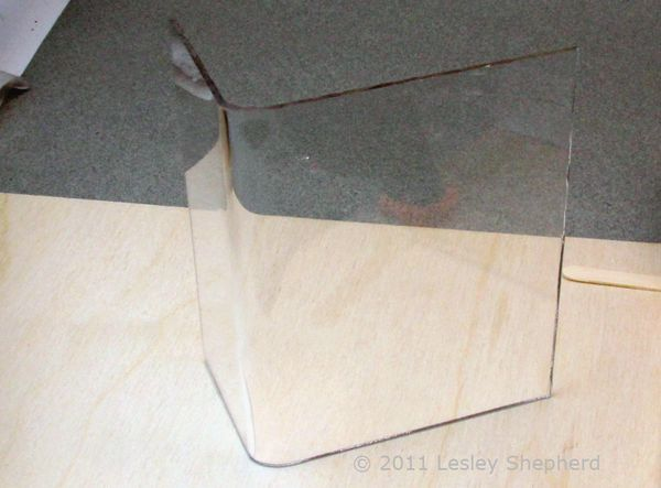 Bend Sheet Acrylic Or Plexiglass For Crafts Using Simple Tools Miniature Projects Plexiglass Embossing Heat Tools