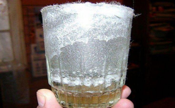 Проверка энергетики дома при помощи стакана с солью http://bigl1fe.ru/2017/03/14/proverka-energetiki-doma-pri-pomoshhi-stakana-s-solyu/