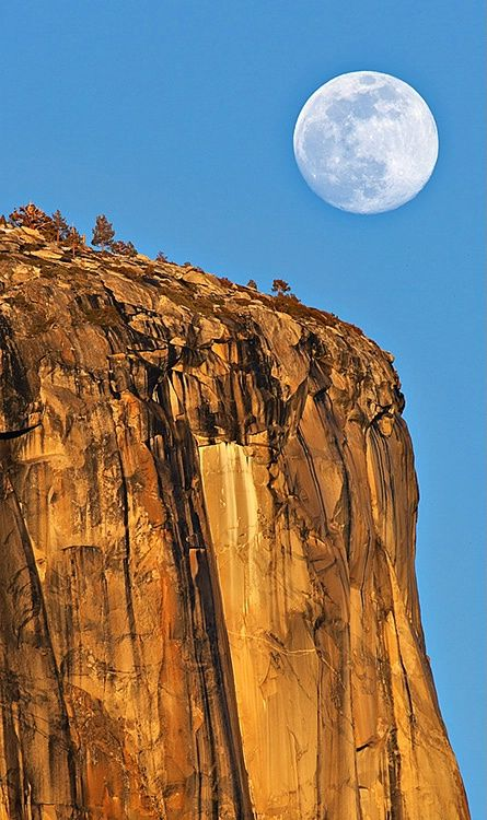 Moon Over El Capitan