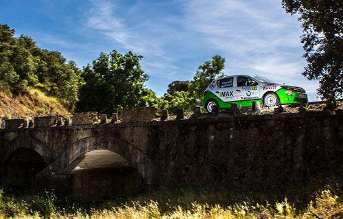Rallye Rías Baixas, previo  Llegamos a la cuarta prueba del CERA, el Campeonato de España de Rallyes de Asfalto. Y en esta ocasión toca hablar de una de las citas clásicas del calendario nacional: el Rías Baixas. Con 74 equipos inscritos, los pilotos locales quieren dar guerra en la prueba gallega.