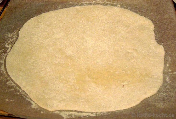 die besten 25 pizza selber belegen ideen auf pinterest einfache zvieri rezepte kartoffelbrot. Black Bedroom Furniture Sets. Home Design Ideas