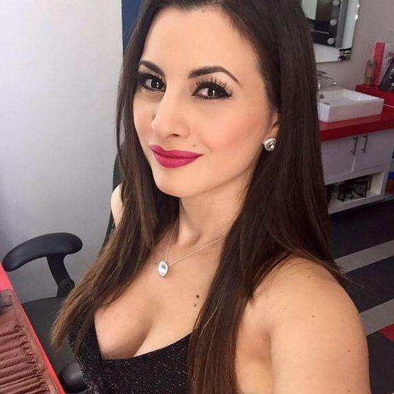 Kary Correa Nude Photos 27