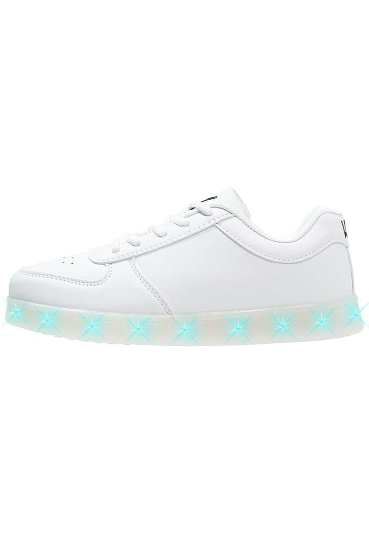 Lage sneakers Wize & Ope Sneakers laag - white wit: 159,95 € Bij Zalando (op 2/10/16). Gratis verzending & retournering, geen minimum bestelwaarde en 100 dagen retourrecht!