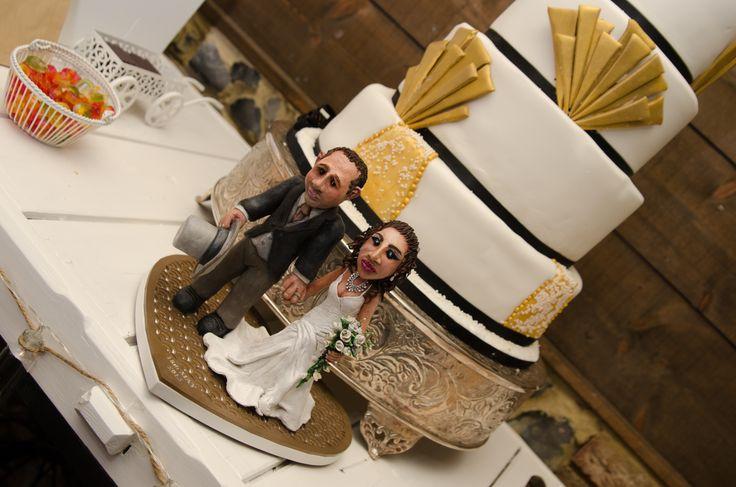 1920's inspired three tire wedding cake
