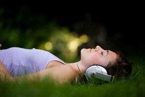 Binaural Beats: A Meditative Gateway to Altered States of Consciousness   - - - -  http://wakeup-world.com/2012/07/28/binaural-beats-a-meditative-gateway-to-altered-states-of-consciousness/