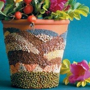 Цветочные горшки, украшенные крупами