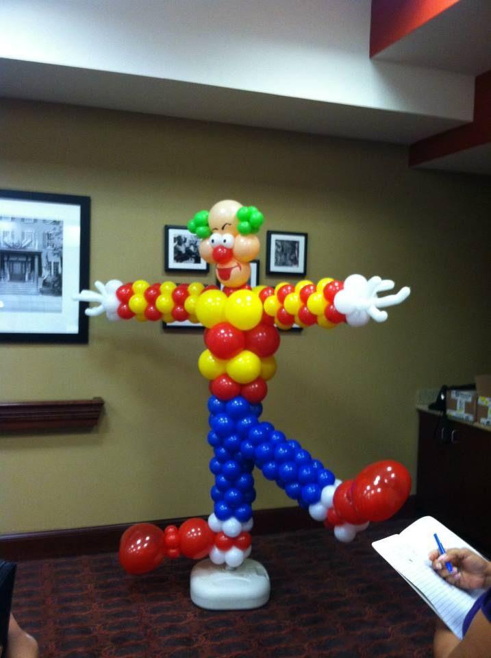 Dante's Circus Clown using Zephyr Solutions Balloon Column Kit