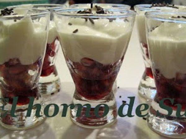 Receta Postre : Vasitos de yogur con granada por Hornosu