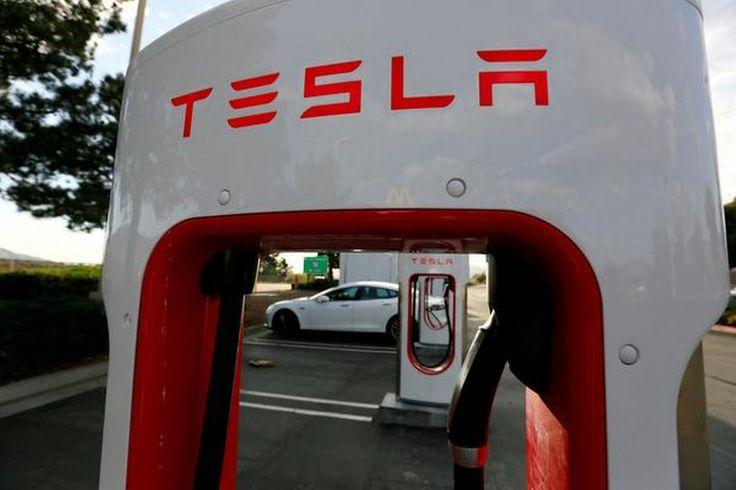 De Chinese techgigant Tencent Holding heeft een belang van bijna vijf procent genomen in Tesla, de Amerikaanse fabrikant van elektrische auto's.