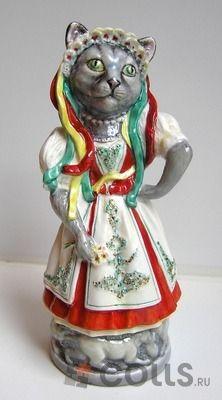 Фарфоровая кошка Русская голубая фото