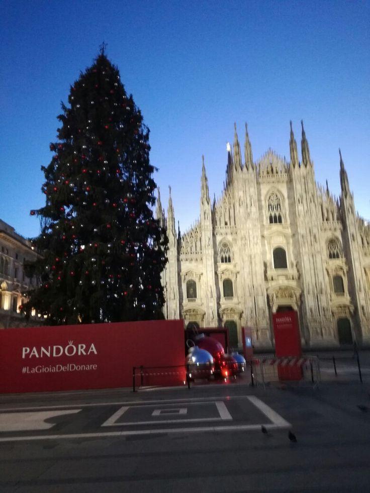 Pin di Carmelo Serio su Milano Natale 2016 Milano, Natale