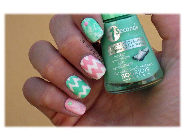 Las uñas de Julia: Nails Art Saran Wrap Chevron / Rosa y Verde