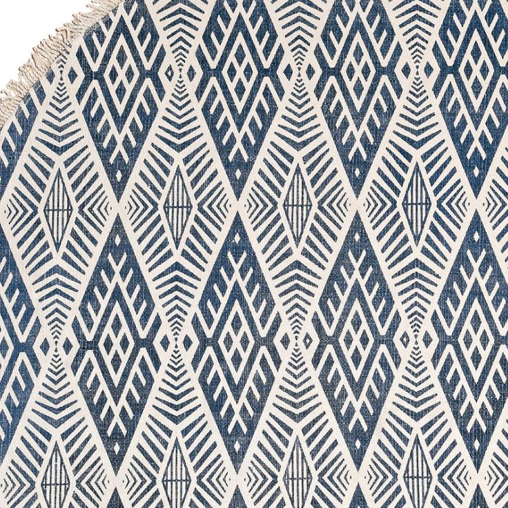 SANTA FE in DENIM BLUE is made of 100% cotton. Perfect for indoor. Available in 140cm Ø