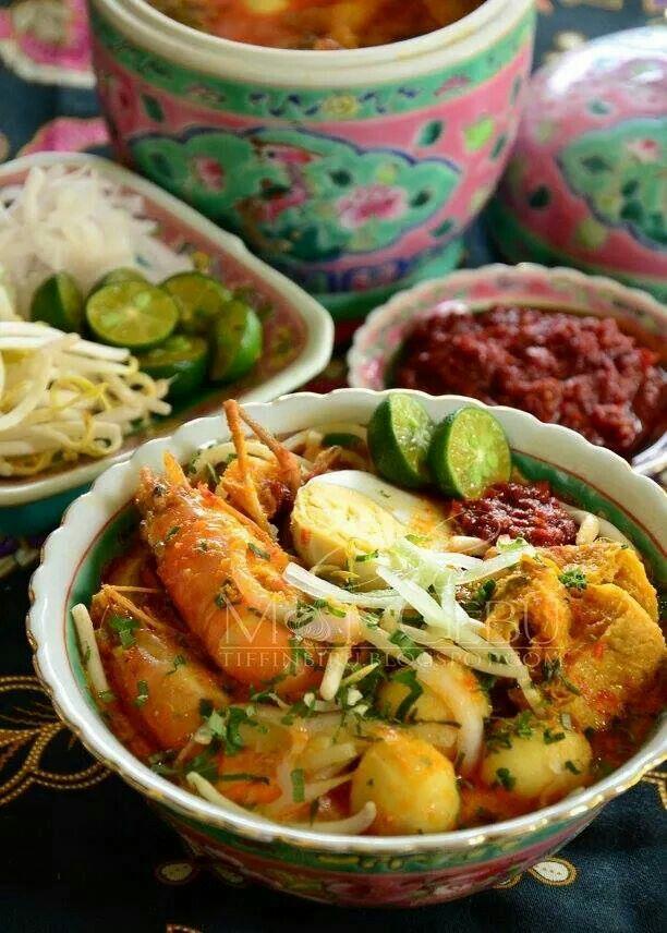 Nonya Peranakan cuisine, in traditional nyonya porcelainware
