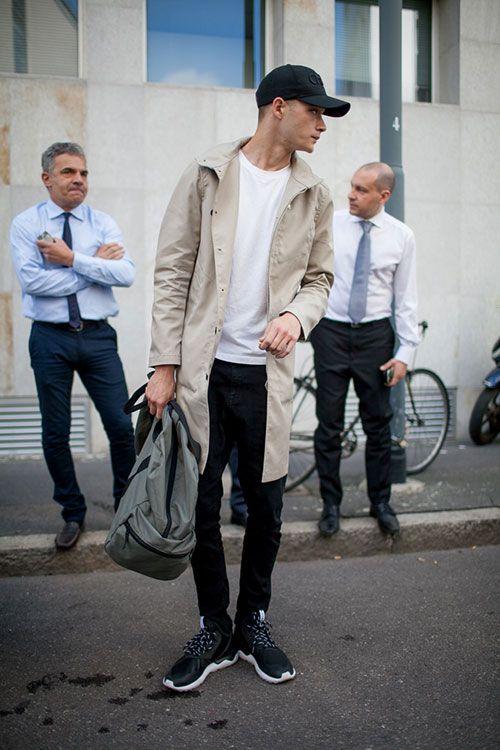 2015-07-15のファッションスナップ。着用アイテム・キーワードはキャップ, コート, スニーカー, デニム, バッグ, 黒パンツ, Tシャツ,アディダス(adidas)etc. 理想の着こなし・コーディネートがきっとここに。| No:117842