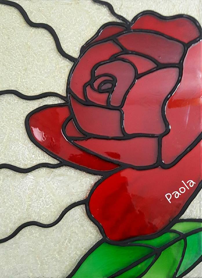 Rosa roja en vitral 2016