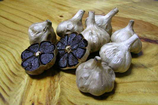 black garlic, said to be sweeter and non smelly from www.lovefood.com #doesfood