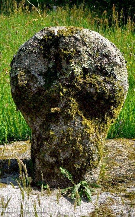 CELTIC CROSS   Lanteglos churchyard, Cornwall: The head of the Celtic cross     ✫ღ⊰n