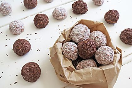 A perfect sweet treat to accompany your morning cup of tea or coffee. Trust me, these delicious truffles won't last very long at all!